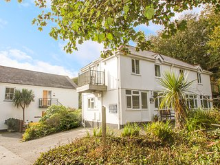 ATER-DU first floor apartment, close to Porthcurno beach in Porthcurno, Ref 9636