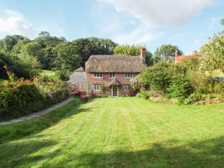 122 UPTON, spacious accommodation, character features, open fire, countryside