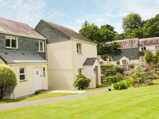 BREEZE COTTAGE, WIFI, open plan, beach walking distance, Ref 962659