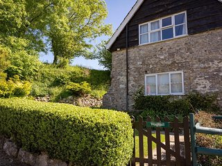 WAGTAIL COTTAGE, country cottage, dog friendly, private garden, Ref: 962641