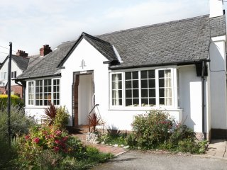 GLANFA, Art Deco style, bay windows, adults only, Ref 962071