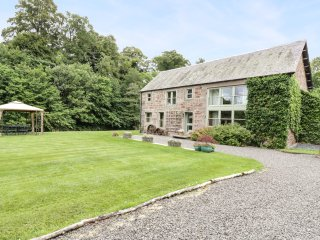 CARDEAN MILL, old working mill, working wheel feature, en-suites, WiFi, near Bla