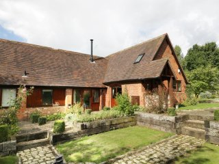 GARDEN HOUSE, detached barn conversion, underfloor heating, exposed beams, woodb