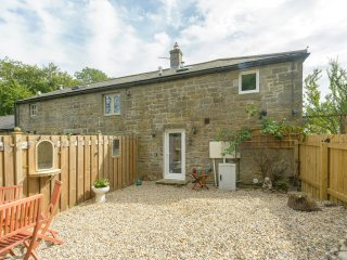 ROSE COTTAGE, open plan, barn conversion, close to Northumberland National Park,