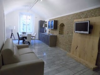 Hs4U Luxury Suite Angiolieri apartment in Siena