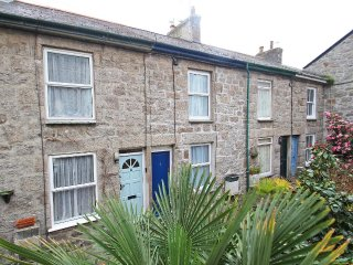 THURSO COTTAGE granite traditional cottage in the heart of Newlyn