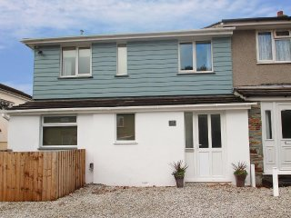 TREE TOPS contemporary house, great touring base, in Camelford, Ref xxxxxxx