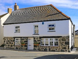 SMUGGLERS COTTAGE, immaculately presented and beautifully appointed cottage in