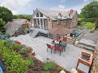 RUAN BARN beautiful barn conversion, balcony, patio and meadow, peaceful rural s