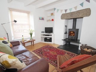 FISHERMANS COTTAGE, beach 0.5 miles, shop and pub 5 minutes walk, Close to Porth