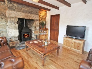 TREVEAN character cottage one mile from beach, woodburner, two pets welcome. Por