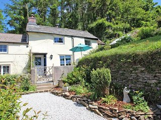 COSY NOOK character cottage, countryside views, wood burner, close to Looe, Ref