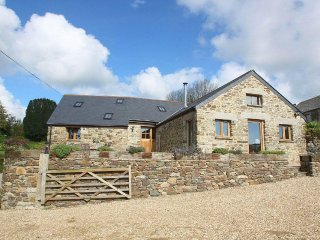 TWO MEADOWS superb barn conversion, enclosed garden, two bathrooms, hamlet