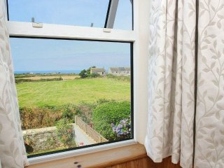 BOSLOW charming cottage in St Just, sea views, walk to pub and shops, 1 mile to
