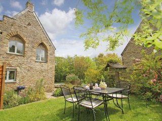 THE LOST BARN beautiful barn conversion, private terrace, peaceful setting near