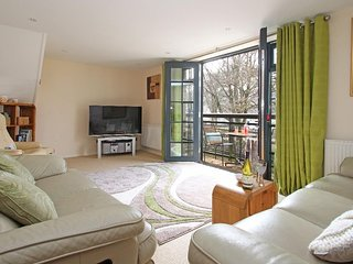 RIVERVIEW first floor duplex apartment, river views, in Lostwithiel Ref 959620