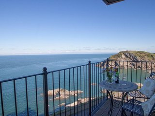 SEASIDERS, smart high quality apartment with outstanding sea views, balconies