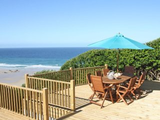 ST IVES VIEW, fabulous beachside retreat, sun terraces, private access to beach