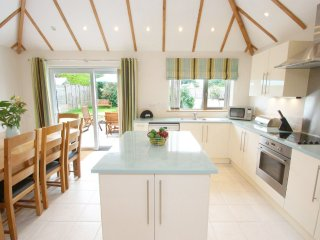 LANESEND detached dormer bungalow, close to village amenities and beaches