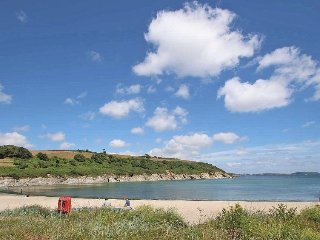 SEA PINES semi-detached cottage, Maenporth private estate, leisure centre, en-su