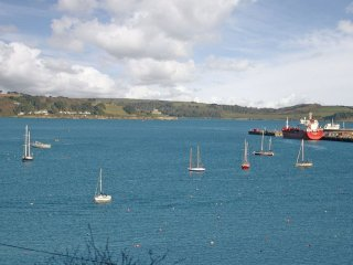 SEABIEN Seaview, WiFi, short walk to town centre, in Falmouth Ref xxxx