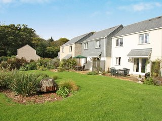 MANUKA modern house in holiday village, walk to beach, close to Falmouth, Ref xx