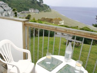 BEACH VIEW, part of a complex, wonderful sea views, communal garden near Looe. R