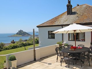 CASTLE BAY detached bungalow, sea views, in Marazion, Ref xxxxx