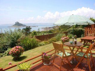 CASTLE VIEW APARTMENT ground floor apartment, sea views, in Marazion. Ref xxxxxx