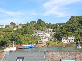 FERRYSIDE WATCH two-storey house, river views, in Fowey. Ref xxxxx