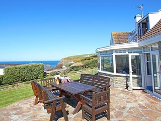 TRELAWNS detached property 5 minutes from Mawgan Porth beach, sea views,  large