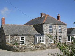 HINGEY FARMHOUSE granite farmhouse on Lizard Peninsula, sea views, garden, Ref x