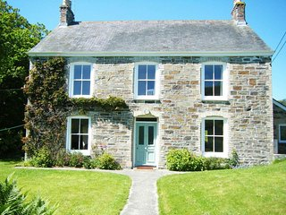 GOSHEN FARM farmhouse near St Agnes, close to beach, shops, pub, pet friendly, R