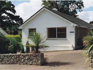 CHENIES well presented bungalow in Mylor Bridge waterside village, close to Falm