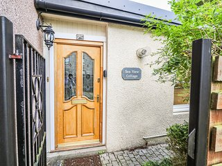 SEAVIEW, fantastic views, central location, delightful garden, in Nairn, Ref 958