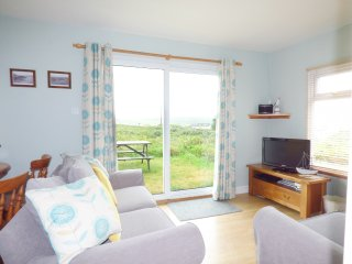 A6 RUSHDUNE, all ground floor, family friendly, near Hayle, Ref 956817