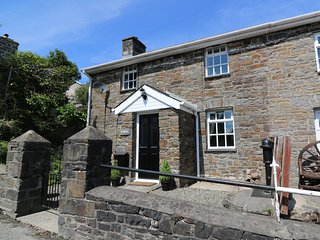 TY FFYNNON, contemporary living, woodburning stove, traditional features, Ref