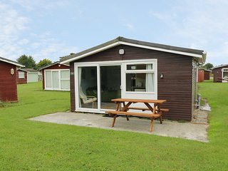 CHALET H11, family base, coastal, all ground floor, open-plan living, in St Merr