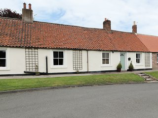 TENTER COTTAGE, all ground floor, 3 bedrooms, easy access to amenities, in