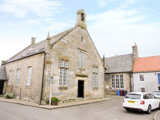 2 CUNNINGHAME HOUSE, three floor apartment in converted chapel, WiFi, dog-friend