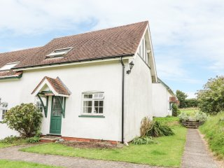 YEW TREE COTTAGE, open plan living area, shared complex, in Aberporth, Ref