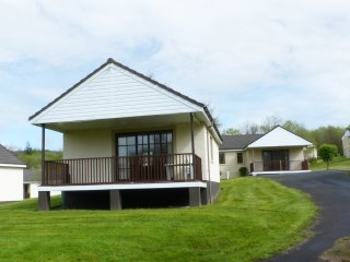 BRUNSTON LODGE, family-friendly, open plan, on-site facilities, in Dailly, Ref