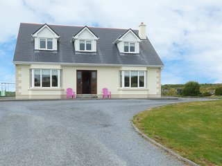 FOLAN COTTAGE, detached cottage, Jacuzzi bath, ample parking, isolated postion,