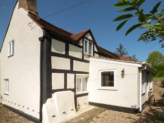 LEA COTTAGE, cosy and charming, WiFi, spacious,in Much Wenlock, ref:948535