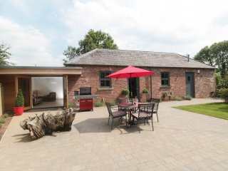 GREY ROOFS, modern barn conversion, Smart TV, woodburning stove, near Ashbourne,
