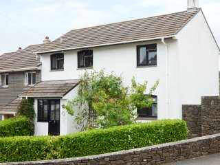 ORCHARD COTTAGE, WiFi, AGA range cooker, incredible Devon location, Ref 945311