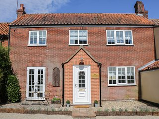 TELFORD COTTAGE,woodburner, patio area, close to the countryside, in Foulsham