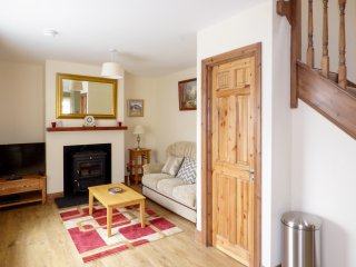 NO 1 BATH TERRACE LANE, woodburner, open living plan area, Ref 943055