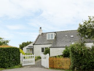 DRUMBUIE, lovely cottage, excellent views, comfortable living, near Southerness,