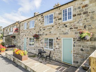 SWAN COTTAGE, open plan, next door to Black Swan pub, in Nidderdale AONB, Ref
